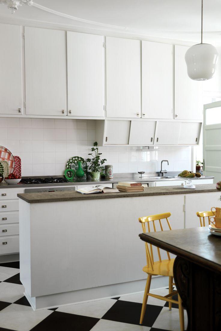 Byggfabriken – modern byggnadsvård: Inspirationsbilder – Funkiskök med sneda luckor