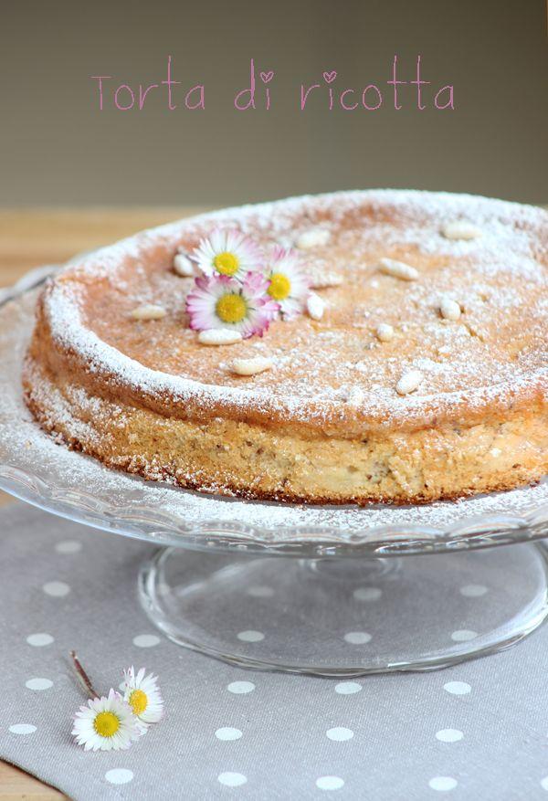 Torta di ricotta e pinoli http://www.dolcesalsarosa.com/2013/03/torta-di-ricotta-e-pinoli_23.html