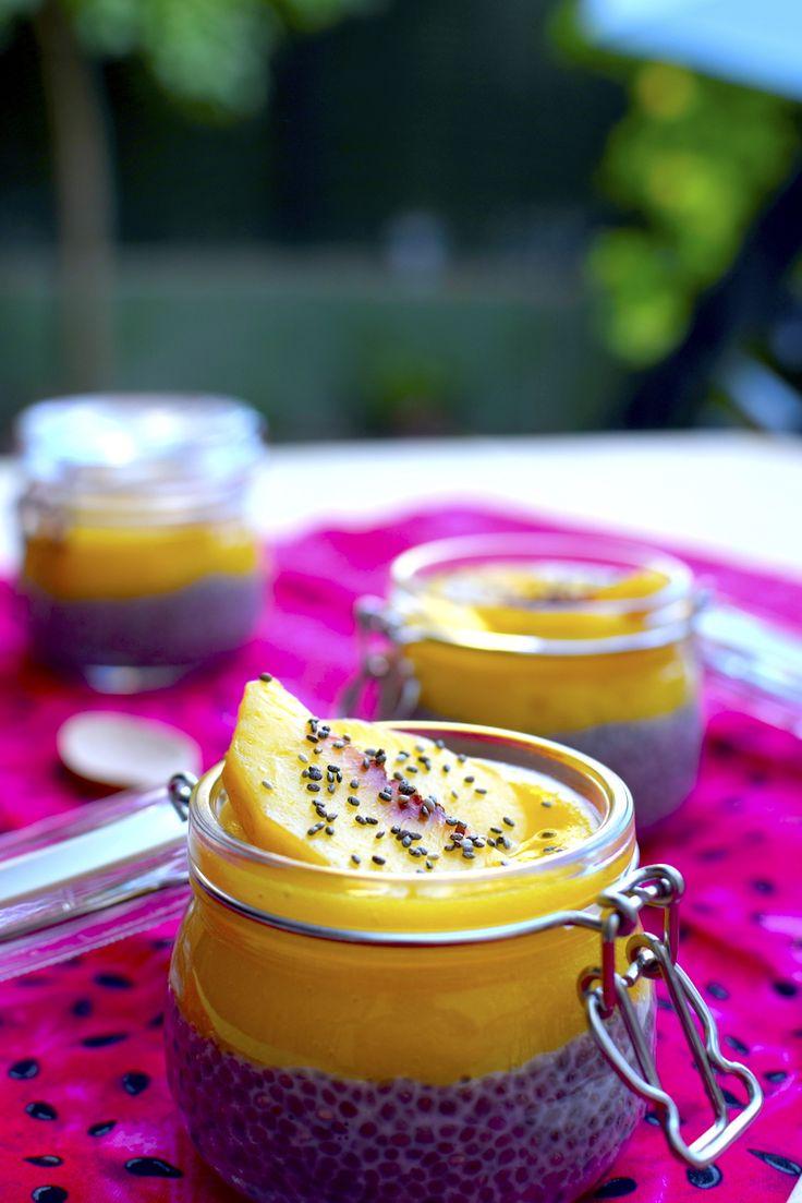 Chía Pudding with Peach// Pudding de Chía y puré de melocotón