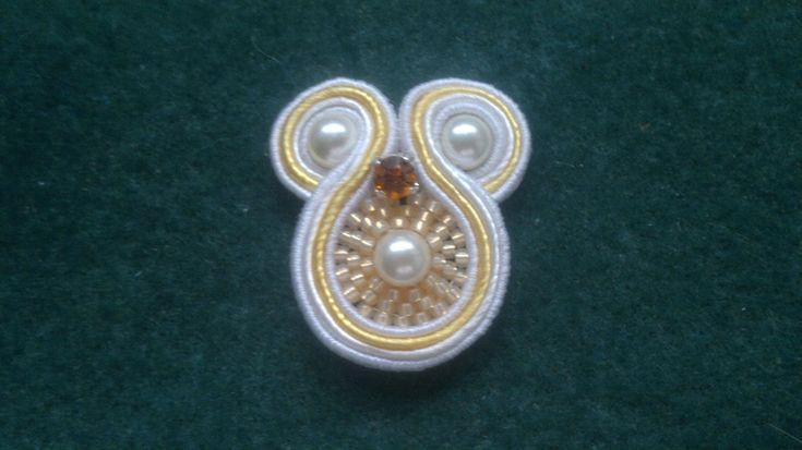 Beading4perfectionists : Soutache #1 : How to curve around a pearl earring beginners tutorial