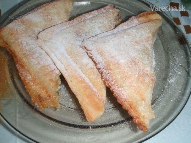 Ak chceme niečo sladké a nemáme poruke rúru na pečenie, poslúži nám aj toustovač :-)