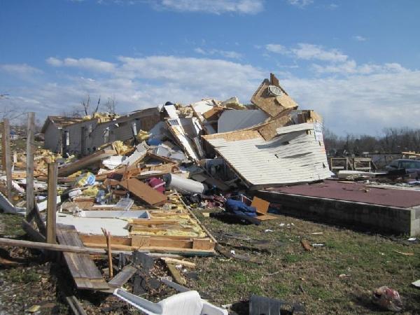 henryville tornado | Henryville, IN Tornado - Destroyed apartment building | Flickr - Photo ...