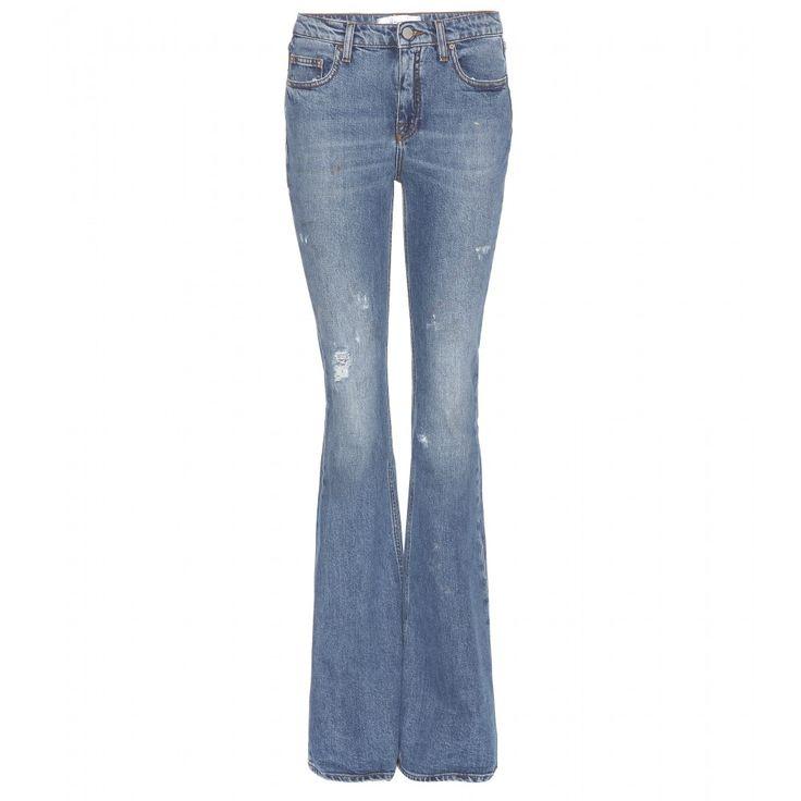 Victoria Beckham Denim - Jeans mit Flared-Leg - Jeans mit ausgestelltem Bein sind das Must-have der Stunde. Die Version von Victoria Beckham Denim paart die Seventies-inspirierte Silhouette mit verwaschenem Blau und Flecken, die dem Look einen lässigen Used-Look verpassen. seen @ www.mytheresa.com