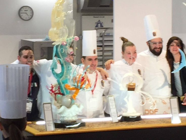 Champion du mond 2016 Sara Accorroni and Bruno D'Angelis - Italy wins the Mondial Des Arts Sucrés Paris in 2016 with Sara Accoroni and Bruno D'Angelis who have realized their pièces with molds CONCETTO by decosil, trained by David Malizia and Roberto Rinaldini with the contribution of Mario Romani. The theme chosen was Sea and to make these art pieces: Crystal mermaids, coral reefs and the winds of sailors transformed into sugar and chocolate wonders.
