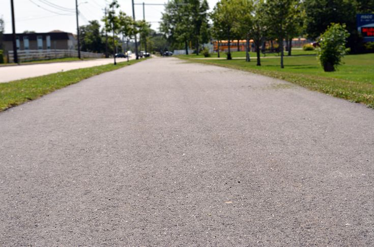 Pleasant St. Multi-Use Trail — 1.4 km multi-use trail. Extra-wide paved sidewalk. Wheelchair and Family friendly.