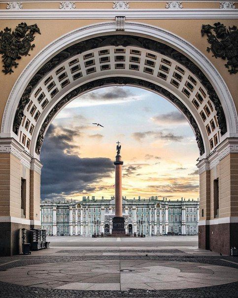 Александровская колонна, или Александрийский столп [The Alexander Column, or the Alexandrian Pillar] (St Petersburg, Russia)