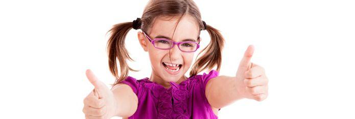 Cum convingem copilul sa poarte ochelari?