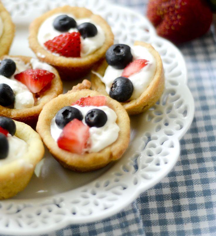 Mini Patriotic Fruit Pizza Cups - Recipe Diaries