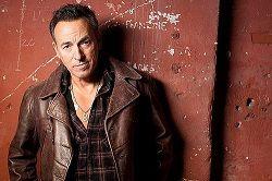 Брюс Спрингстин официально объявил о своих резидентских планах. Начиная с октября 2017 года американский рок- и фолк-музыкант и автор-исполнитель восемь недель подряд будет выступать в театре Walter Kerr Theater на Бродвее со своим «очень личным» шоу «Springsteen on Broadway». По ин�