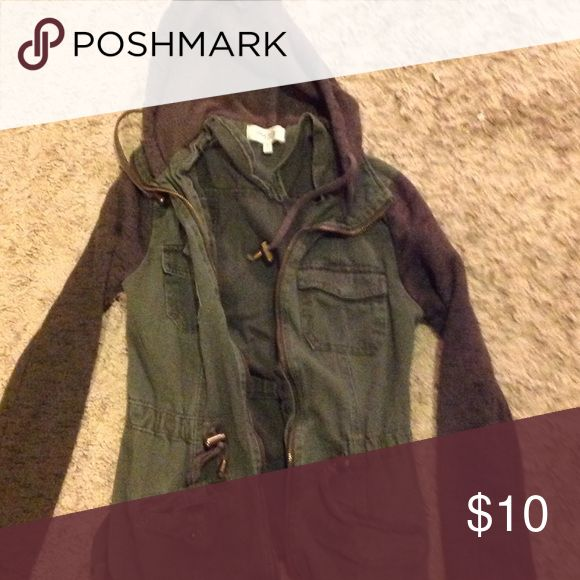 Charlotte Ruuse green jacket Light weight , only worn a few times Charlotte Russe Jackets & Coats