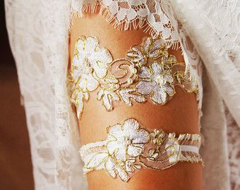 Bridal Garter Set Wedding Garter Set - Gold Ivory Lace Garters Belts - Vintage Inspired Garter Set