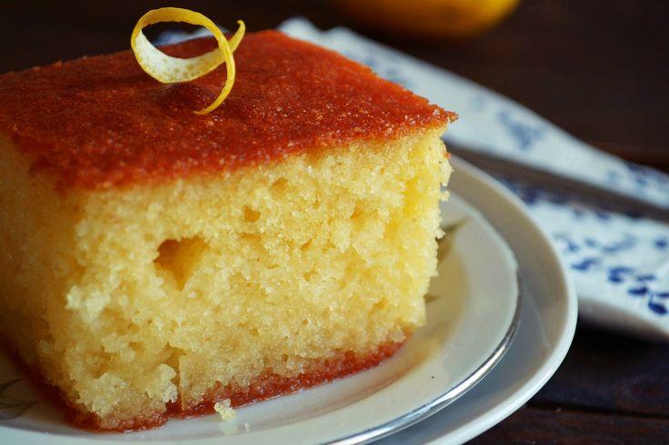"""Το ρεβανί βέβαια είναι αγαπημένη συνταγή στην Ελληνική Κουζίνα, το συγκεκριμένο δε αποτελεί το """"στολίδι"""" της Μακεδονίτικης Κουζίνας!"""