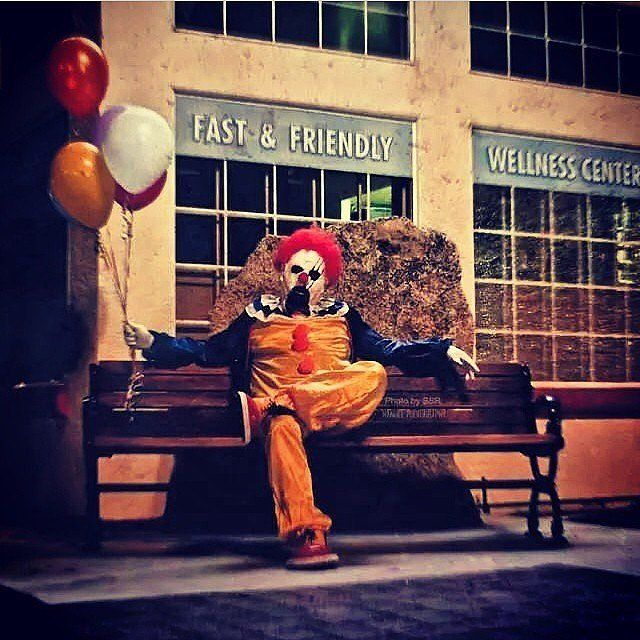 no, thanks! > CLOWNS STALK WASCO, CALIFORNIA -  This Town's Creepy Clown Mystery Might Scare Your Pants Off