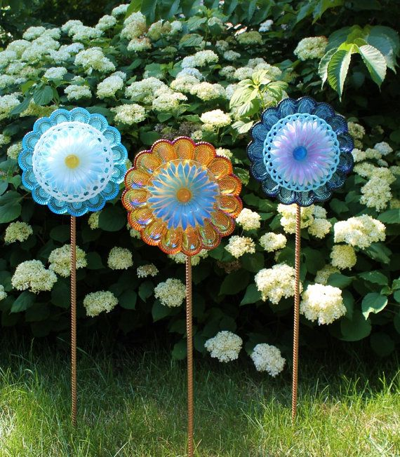 17 best images about cutting a hole in glass on pinterest for Recycled glass flowers