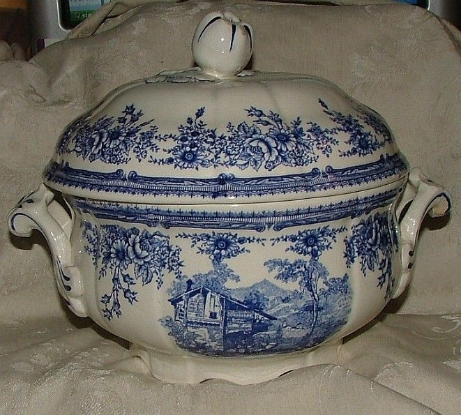 ANTIQUE Staffordshire Blue White Chamber Pot w/ Lid Swiss Scene 1880s Davenport #RomanticStaffordshire #possiblyDavenport