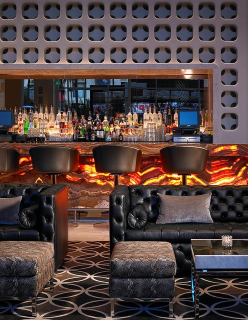 https://i.pinimg.com/736x/bf/fb/d2/bffbd27c06feca2f8763260bedd81b7e--living-room-bar-living-room-lighting.jpg
