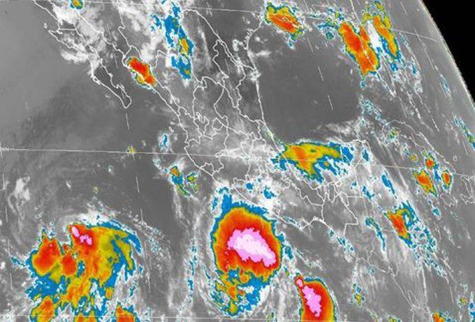 Tormenta tropical Hilary amenaza los estados del suroeste de México
