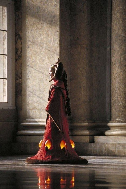 The throne room outfit is the most famous costume from the prequels. It's also the first time we meet Queen Amidala. | Satisfy Your Star Wars Addiction By Drooling Over Queen Amidala's Costumes