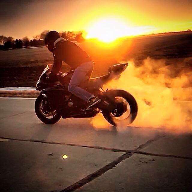 Buddys 636 #burnout # 636 #Kawasaki # Motorräder #Fotografie – Fahrräder – #Fa…