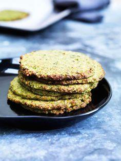 Grøntsagsfladbrød med broccoli og grønkål - glutenfrie og kornfrie og geniale som sandwichbrød --> Madbanditten.dk