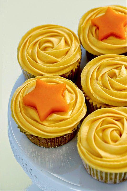 Cupcakes de mango....Estas magdalenas están riquíiiiisimas, súper jugosas y esponjosas. Y encima no tienen gluten y llevan fruta ¡Nos han encantado!