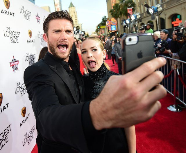 Britt Robertson and Scott Eastwood at event of The Longest Ride (2015)
