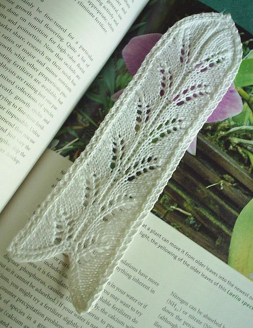 Leaf Bookmark by sheandaru, via Flickr knitting patterns Pinterest