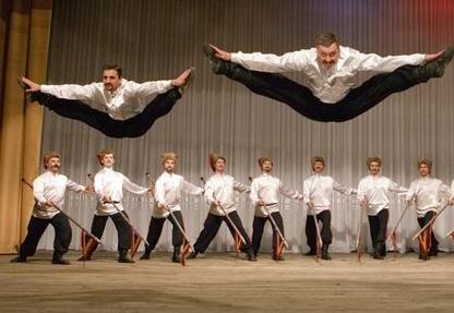 Μια Ξεχωριστή Παράσταση Χορού Οι Κοζάκοι της Ρωσίας στο Κλειστό Γυμναστήριο Λευκόβρυσης στηνΚοζάνη