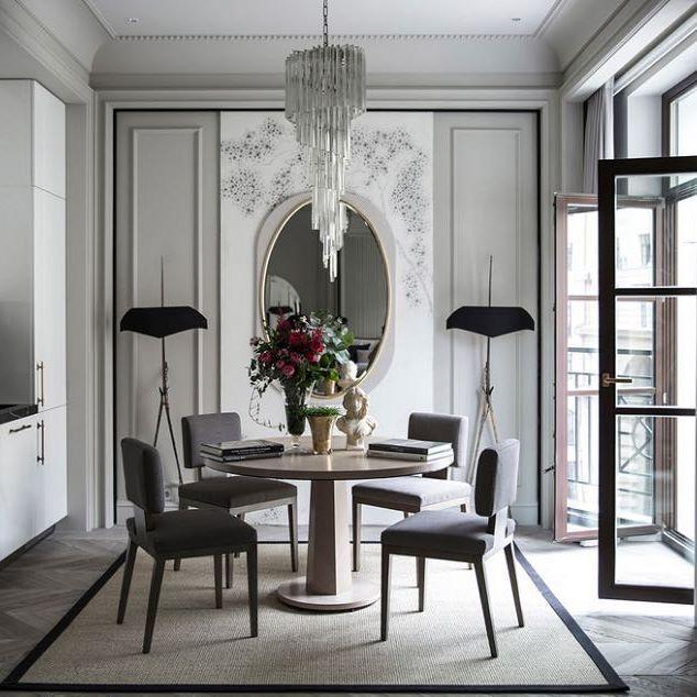 Благородство серого цвета и гармоничность симметрии... Какие у вас впечатления от этого интерьера? Проект: @marina_filippova_designs, фото: @rosya #design #дизайн #интерьеры