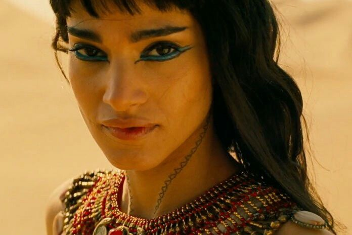 Sofia Boutella as Princess Ahmanet of Egypt in The Mummy 2017 she looks gorgeous with Egyptian style makeup.