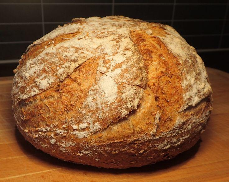 Skikkelig hjemmelaget brød er en selvfølge i påsken, når man har god tid til sånt. :) Denne gangen brukte jeg en av mine ferdiglagde brødbl…