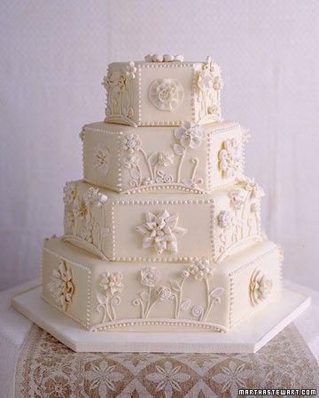 Bolo hexagonal de casamento