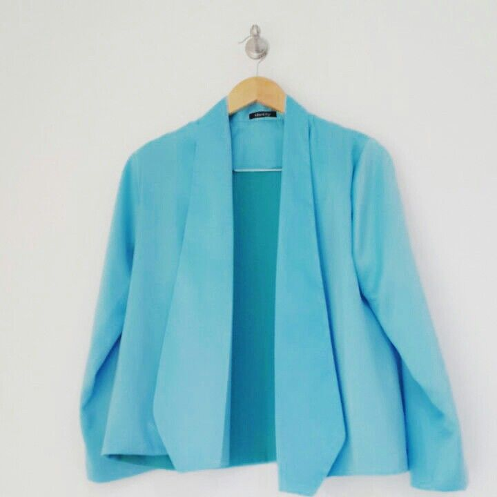 Attract what you expect with this Blue Stilo Blazer