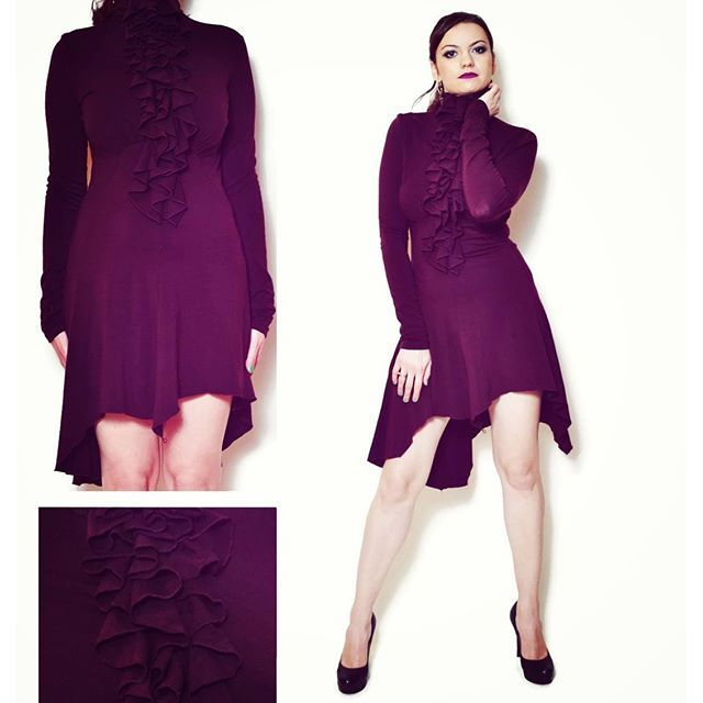Super sexy evening dress #vintage #eveningdress #ruffles #sixvintagechicks