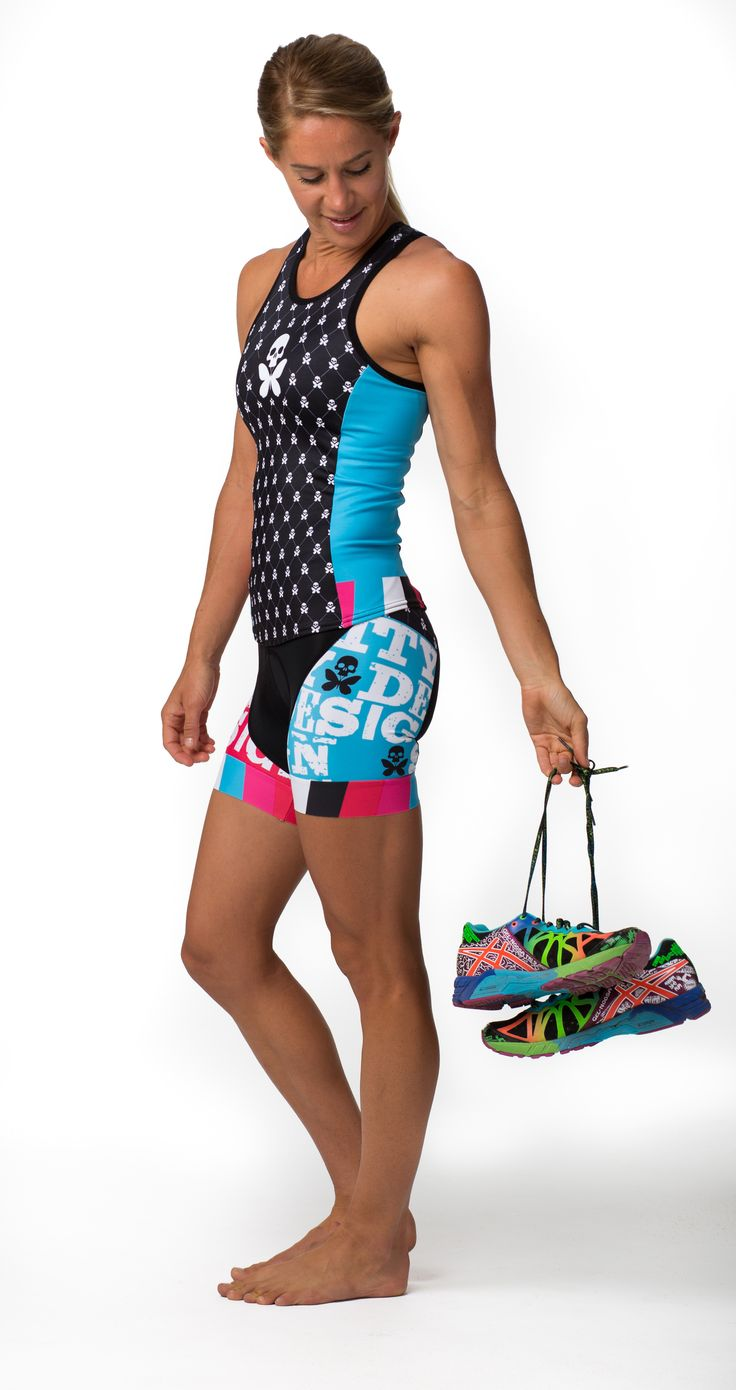 Are you one of those girls looking for a new kit with red in it to match your bike? Today is your lucky day. Jacquard 2 Collection just landed. Swim. Cycle. Tri. Red down the left side. Blue down the right side. http://www.bettydesigns.com/search?x=-1096&y=-21&q=jacquard