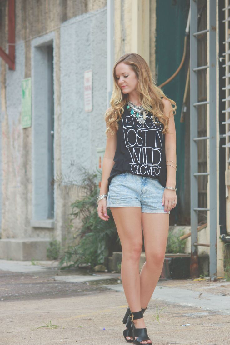 muscle tee outfit