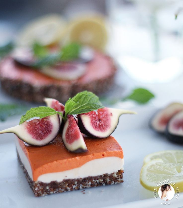 Raw Vegan Lemon and Goji Berry Cheesecake with gluten free crust and fresh figs. This delicious and healthy dessert is dairy free, oil free and has no processed sugar