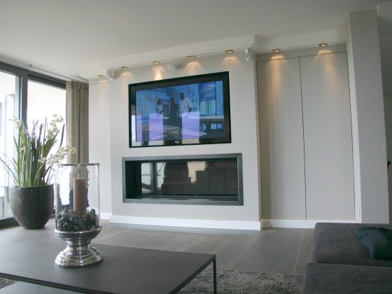 Wohnzimmer mit kamin und fernseher  Kamin unter Fernseher | Wohnen | Pinterest | Fernseher, Kamin ...