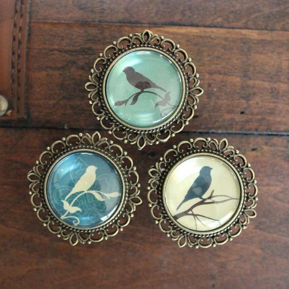 Manopole cassetto ornato con sagome di uccelli in ottone