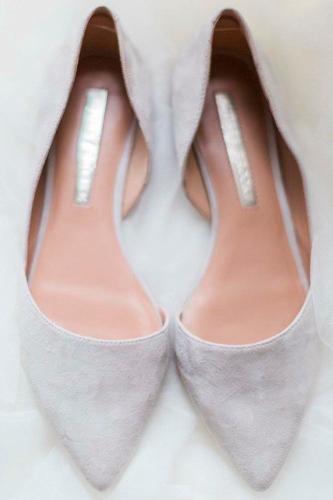 d9fbf1564f0 27 Flat Wedding Shoes For Lovers Of Comfort   Style