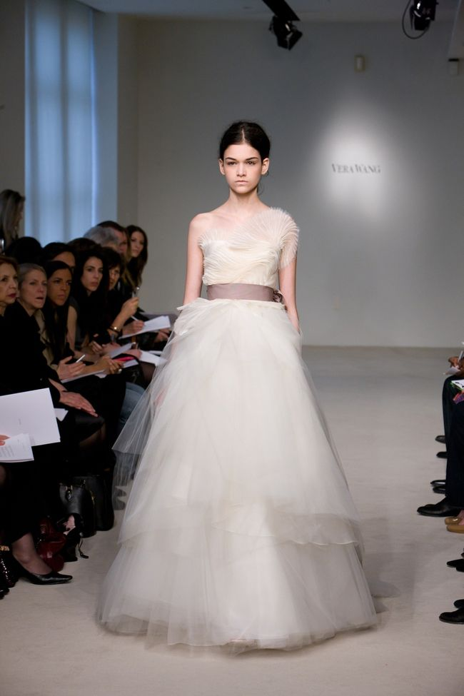 Pretty and differentWang Spring, Vera Wang, Dresses Wedding, Wedding Dressses, Magazines Blog, Wedding Blog, Gorgeous Dresses, White Dresses, Spring 2012