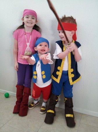 I love these DIY Neverland costumes using tshirts and yellow duct tape.