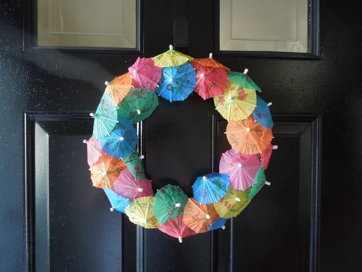 love my umbrella wreath!Ideas Re Create, Pinterest Ideas, Umbrellas Wreaths