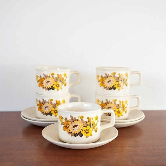 Vintage JOHNSON OF AUSTRALIA coffee/tea cups and saucers