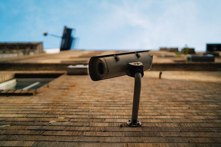 Dans quelles pièces installer des caméras de sécurité ?  La sécurité de sa maison nest pas quelque chose à prendre à la légère. Et lorsque lon investit dans un système dalarme et une caméra de sécurité mieux vaut en faire bon usage pour mettre toutes les chances de son côté. Où donc installer votre (ou vos) nouvelle(s) Security Camera ? La porte dentrée La []