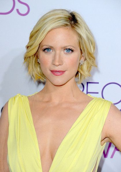 B.o.B Lookbook: Brittany Snow wearing B.o.B (4 of 19). Brittany's curled bob at the 2013 People's Choice Awards couldn't have been more beautiful.