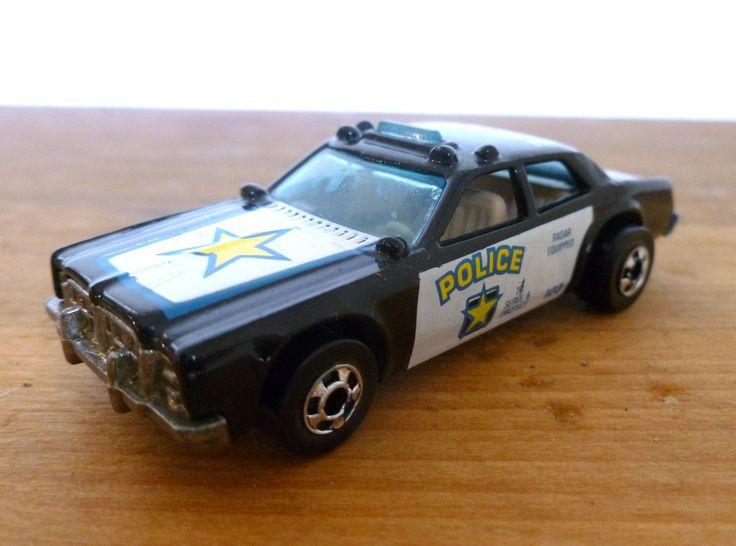 Vintage Circa 1977 HOT WHEELS Mattel Police Car Toy