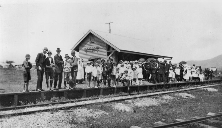 Kalbar Railway Station Qld 1917 Google Image Result for http://upload.wikimedia.org/wikipedia/commons/1/1e/StateLibQld_1_177467_Kalbar_railway_station,_Queensland,_1917.jpg