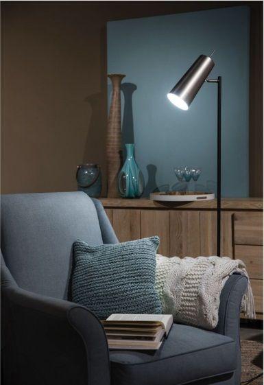 #Stoere vloerlamp voor in een #modern interieur! De stalen lamp heeft een strakke afwerking. Designlamp Brooklyn heeft ene kokervormige kap en staat op een rond plateau. Bestel deze prachtige lamp eenvoudig bij van de Pol Meubelen.