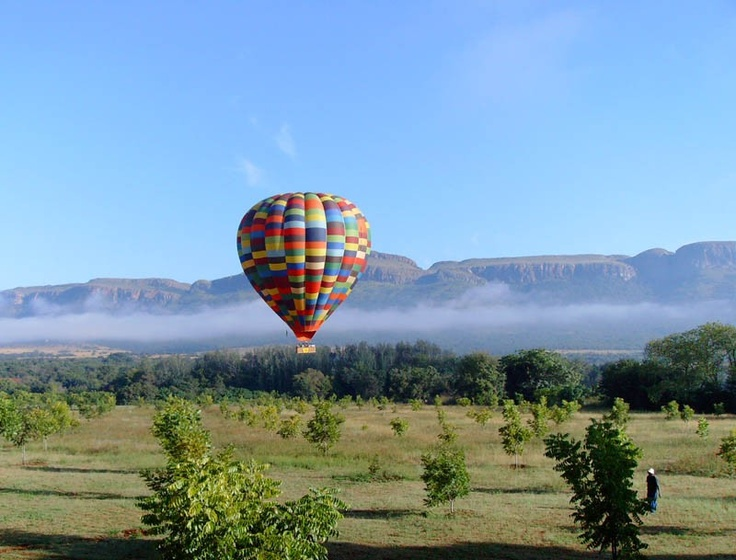 Hot Air Balloon in flight over Browns Cabin and Cottages @ Hartbeespoort Dam, North West Province, South Africa. Pic by Robin Brown